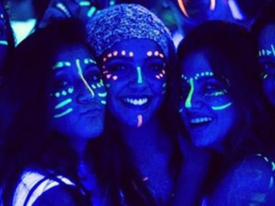 Fiesta Neon Glow Party Cazafiestas Luz Y Sonido En